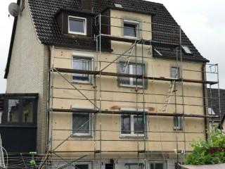 2 Familienhaus mit Glaswolle 035 fertig ausgeblasen