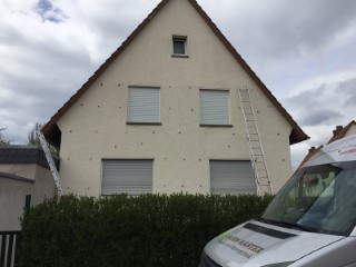 22mm große Bohrlöcher in der Außenwand für die Einblasdämmung
