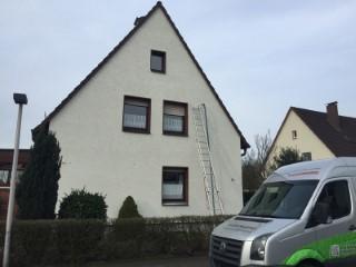 Zweischaliges Mauerwerk im Einfamilienhaus mit Isofloc Pearl WLG 033 ausgeblasen