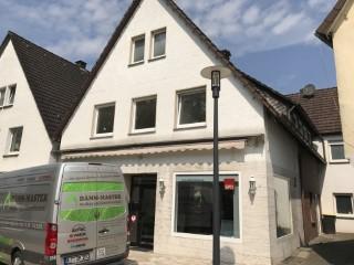 Geschäftshaus mit Granulat WLG 033 fertig ausgeblasen