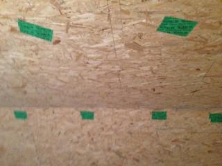 Dachschräge mit OSB-Platten verkleidet und mit Zellulose ausgeblasen