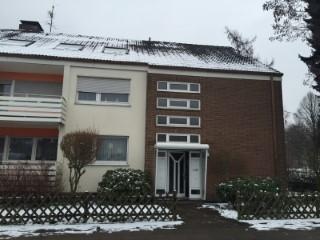 Ungedämmte Betondecke im Mehrfamilienhaus