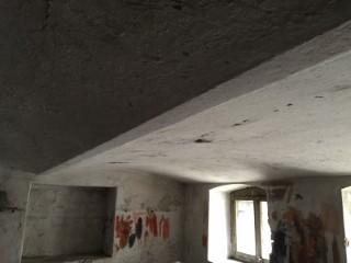 Kellerdecke mit EPS-Granulat ausgeblasen
